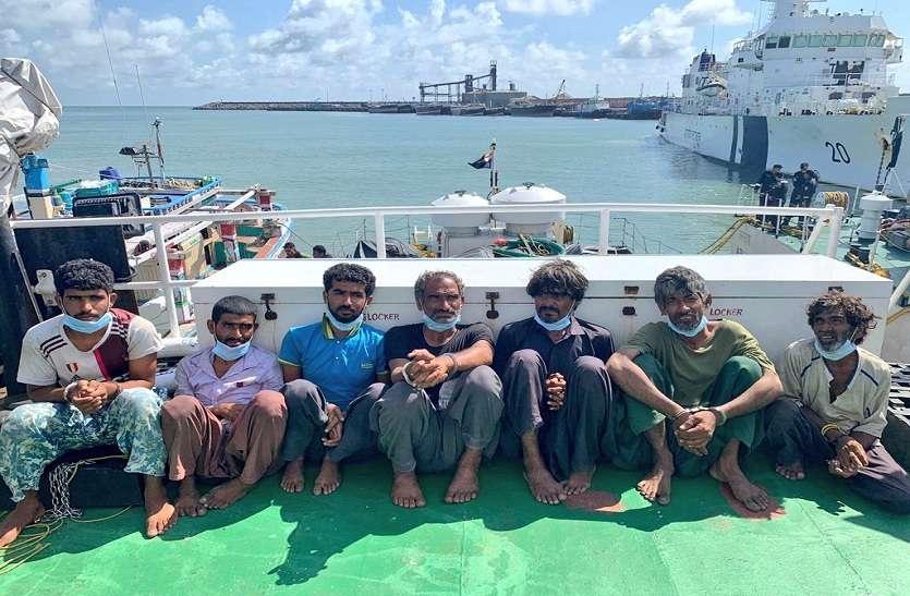ईरानी बोट में पाकिस्तानी समुद्री सीमा में रखी गई थी 30 किलोग्राम हेरोइन