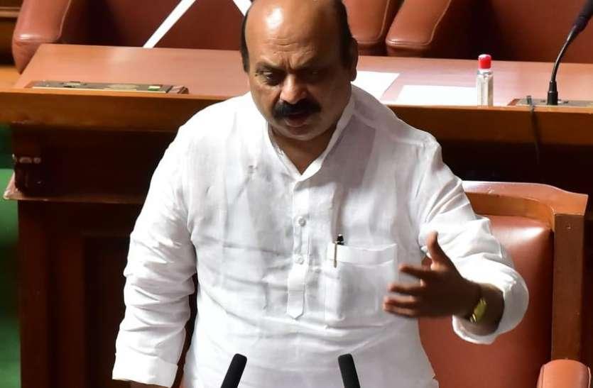 बोम्मई ने कांग्रेस पर मढ़ा पेट्रोल-डीजल की बढ़ी कीमतों का दोष