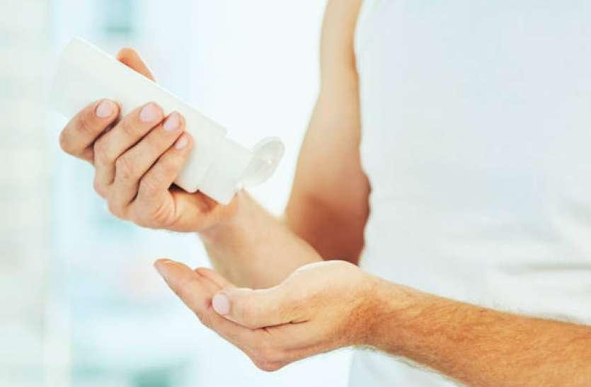 When And How To Apply Moisturizer: त्वचा की कोमलता और नमी बरकरार रखने के लिए पुरुष इन तरीकों से करें मॉइश्चराइजर का उपयोग