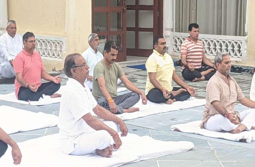 बिन Vasundhara Raje आज संपन्न हो रहा BJP का 'चिंतन', 'बाहरी चिंता' से ज़्यादा 'अंदरूनी चिंता' बनी है चुनौती