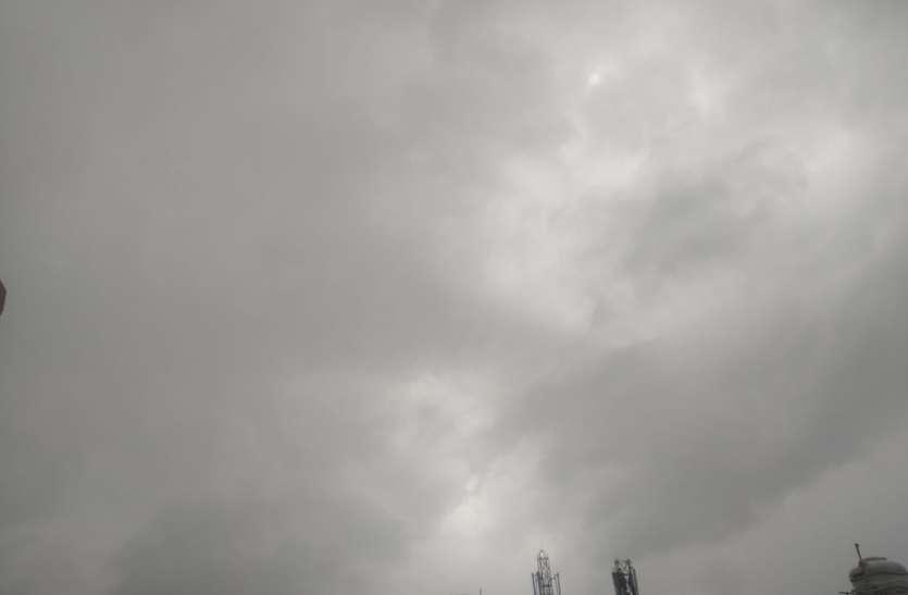 Up Weather News updates: एनसीआर और पश्चिमी यूपी में जोरदार बारिश, कई इलाकों की बिजली गुल, जलभराव से जनजीवन ठप