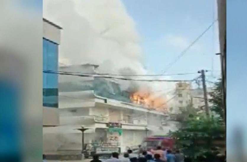 Gujarat Hindi News : पटाखे की दुकान में आगजनी मामला : तीन आरोपियों को मिली जमानत