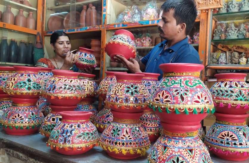NAVRATRI PARV: पर्व की मचेगी धूम, बाजार में आने लगी बूम