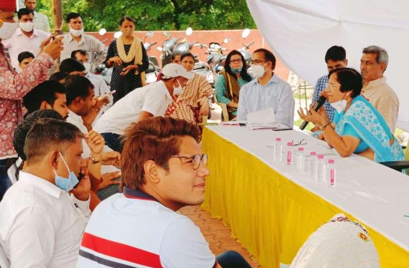 दिवाली पर स्ट्रीट लाइट का वादा, डस्टबिन और हाथ गाड़ी जल्द