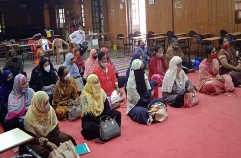 सरकारी इंग्लिश मीडियम स्कूलों के प्रति अभिभावकों का बढ़ा रुझान