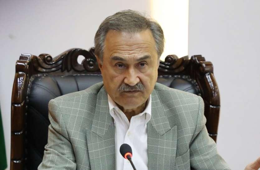 काबुल में रोज अपनी ड्यूटी करने आता है यह शख्स, राष्ट्रपति चुनाव के लिए छोड़ दी थी अमरीकी नागरिकता