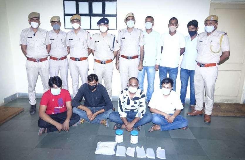 दौसा में रीट नकल गिरोह का भंडाफोड़, 5.60 लाख रुपए के साथ चार आरोपी दबोचे, करोड़ों का हिसाब मिला