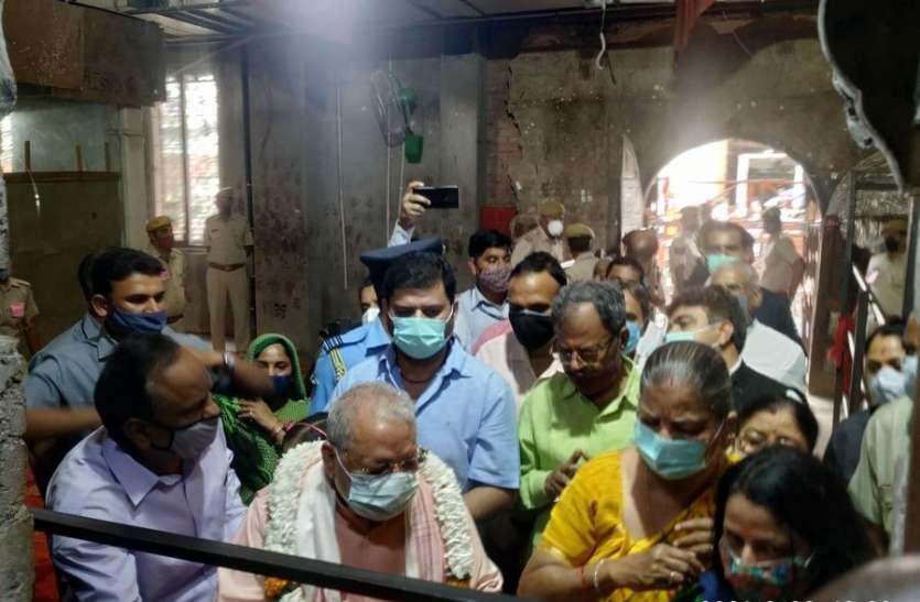 राज्यपाल ने किए मेहंदीपुर बालाजी के दर्शन, प्रदेश में सुख-शांति व कोरोना से मुक्ति की कामना