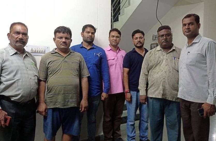 सांगोद थानाधिकारी 8 हजार रुपए रिश्वत लेते रंगे हाथों गिरफ्तार