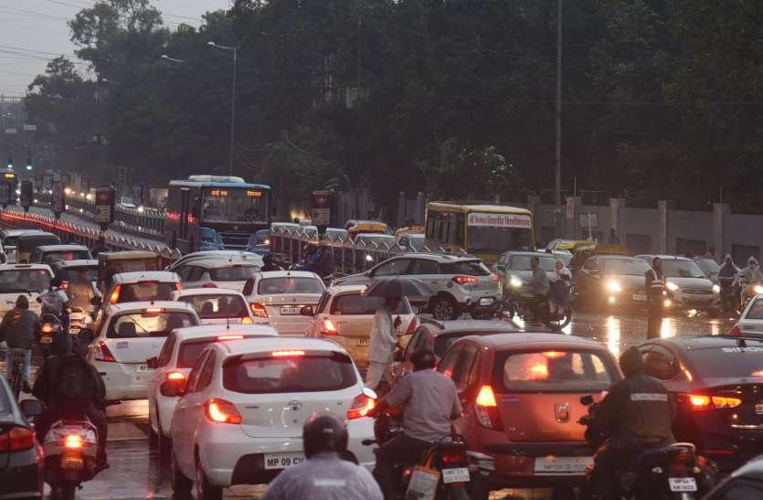 इंदौर का ट्रैफिक हर रोज देता है 2 करोड़ 65 लाख का झटका