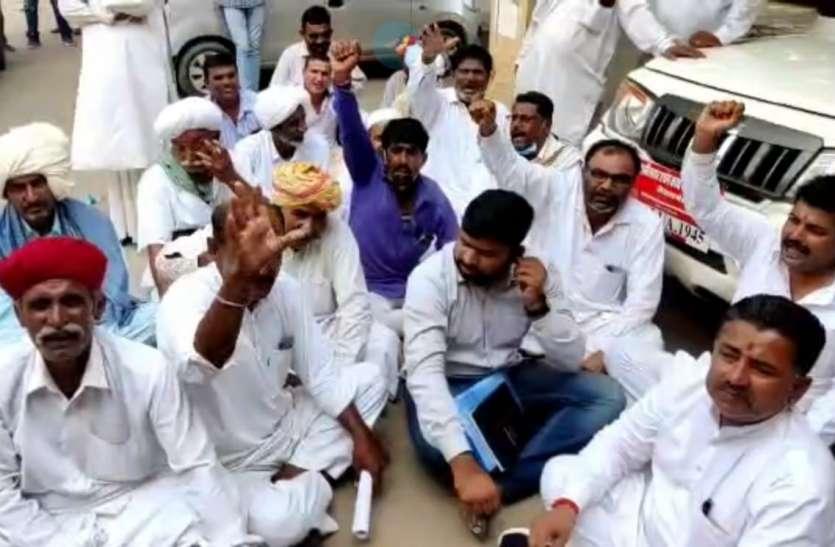 तीन बारी पानी देने का किसानों ने किया विरोध, आंदोलन की चेतावनी