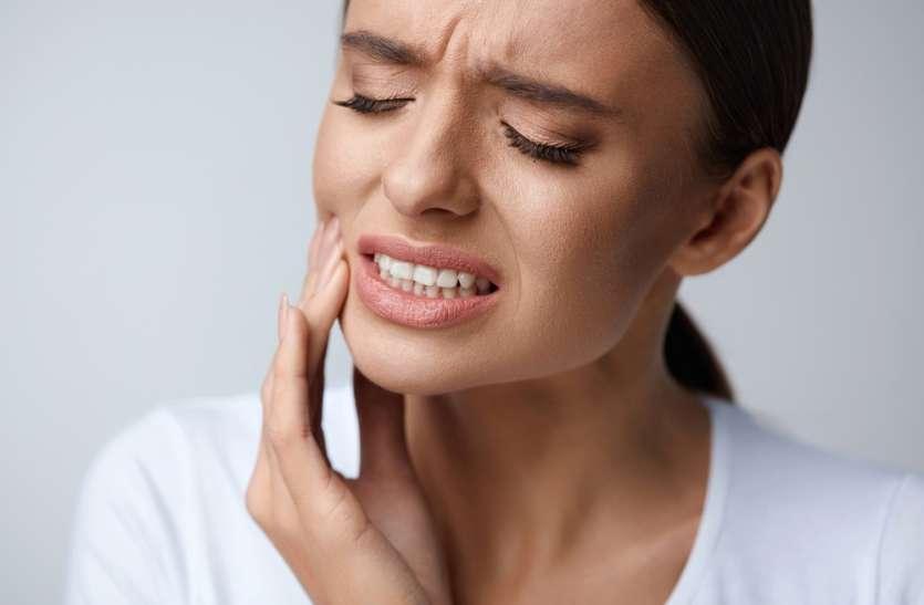 Tooth Pain Relief Home Remedy: अचानक दांत में दर्द होने पर अपनाएं ये घरेलू उपाय