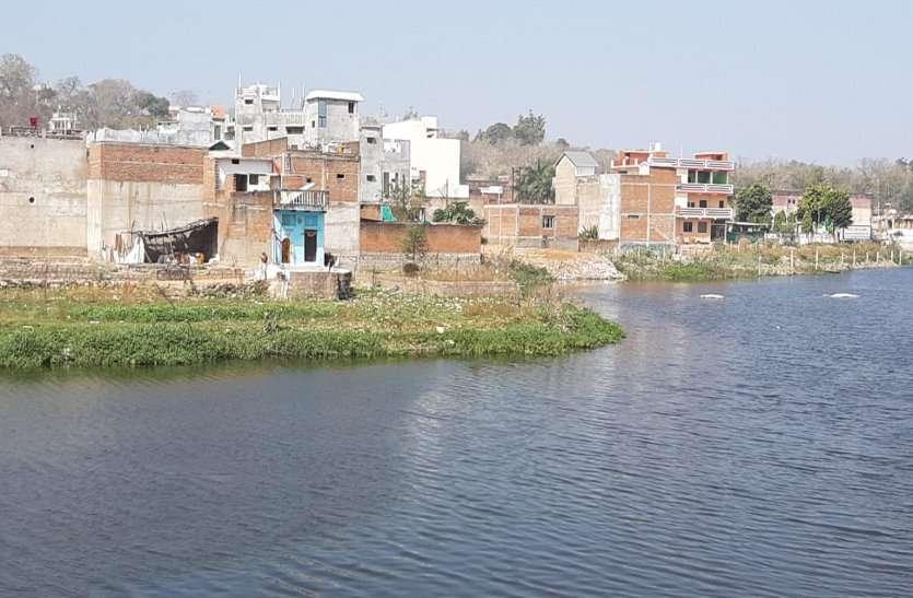 किशोर सागर समेत आठ बड़े तालाबों पर अतिक्रमण, प्रशासन ने नहीं की कार्रवाई