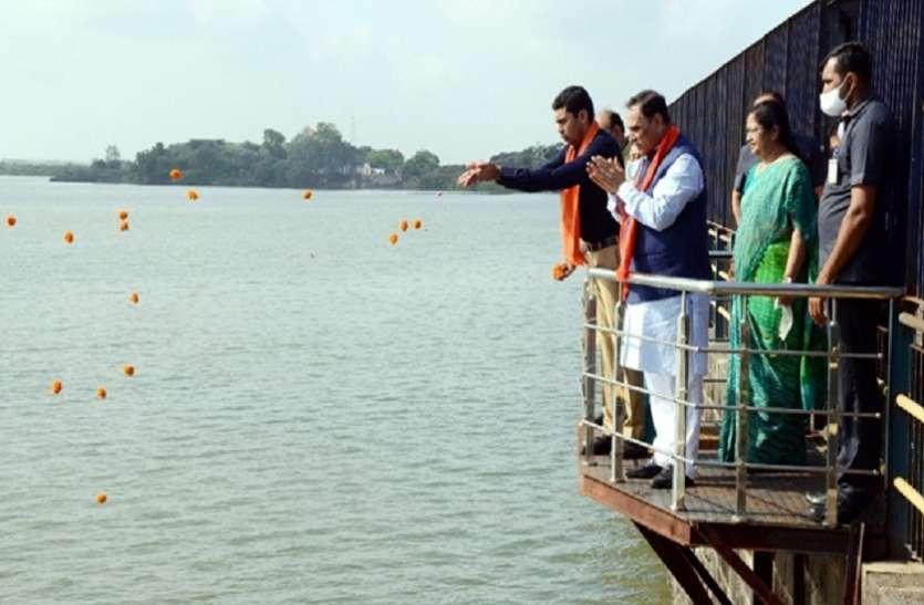 Gujarat Hindi News :  आजी बांध में पानी की आवक पर रूपाणी ने किया स्वागत