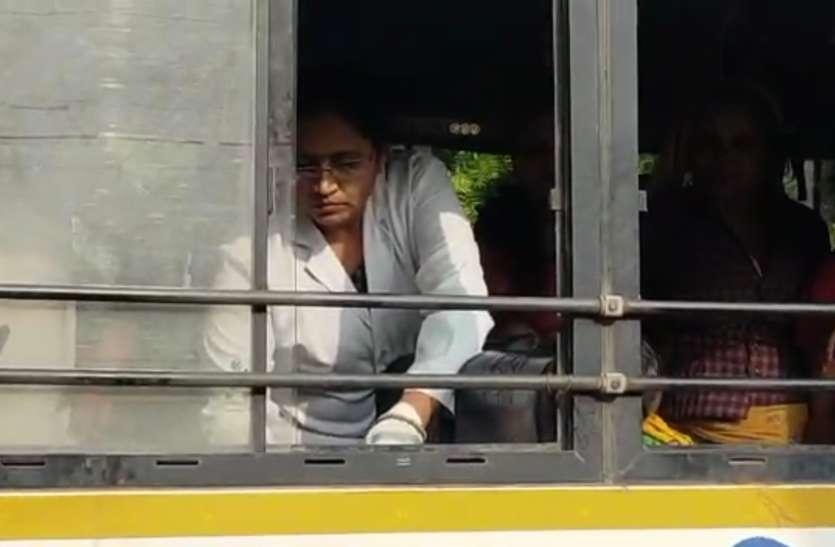 रोडवेज बस में हुआ महिला का प्रसव, बच्ची को दिया जन्म