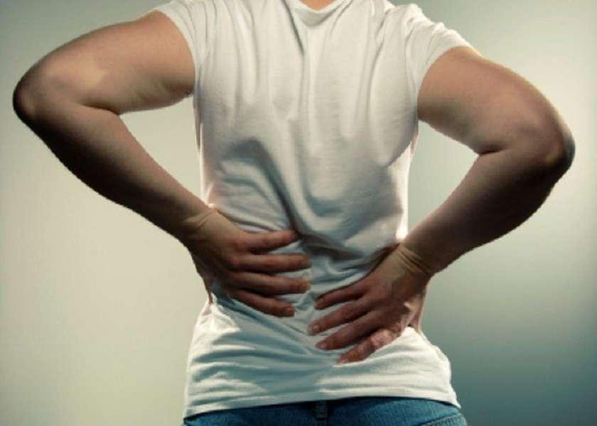 अक्सर रहता है कमर में दर्द तो ये हो सकते हैं ये कारण जिनके बारे में आपको भी पता होना चाहिए