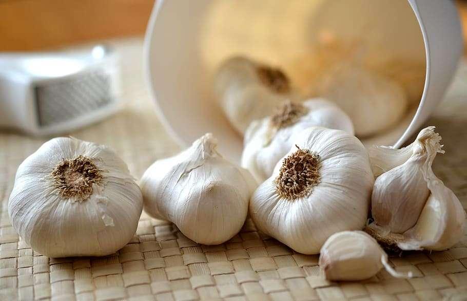 garlic-cloves-of-garlic-kitchen-eat.jpg