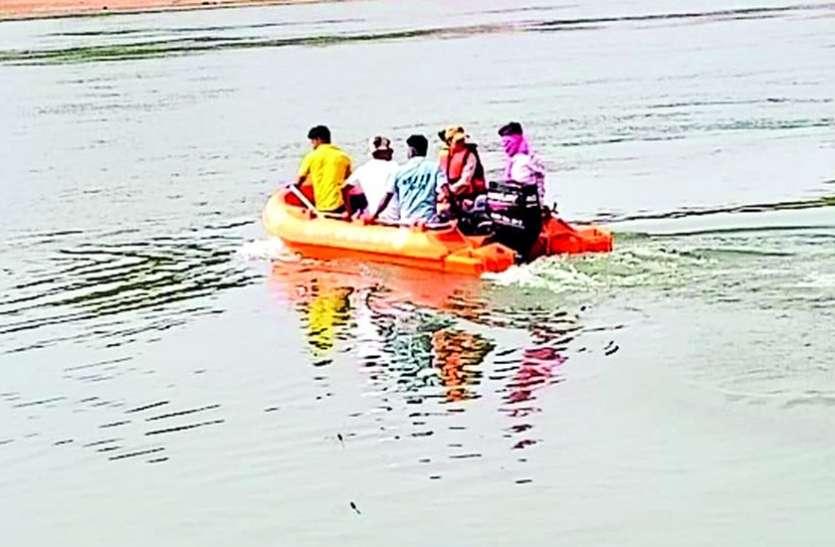 अंजली का साहस : लड़कियों को बचाने नदी में कूदी, एक की गर्दन तो दूसरी का हाथ पकड़ बाहर निकाला
