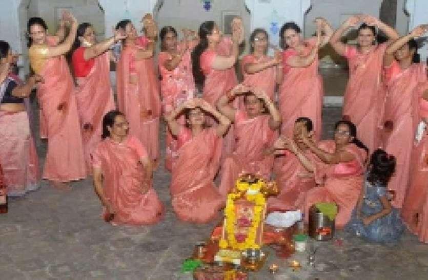 माता मंदिरों पर रही श्रद्धालुओं की भीड़