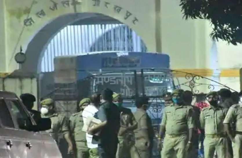 मनीष गुप्ता हत्याकांड में पुलिस से लुक्काछिपी खत्म, आरोपित इंस्पेक्टर जेएन सिंह और दरोगा अक्षय मिश्रा गिरफ्तार भेजे गए जेल