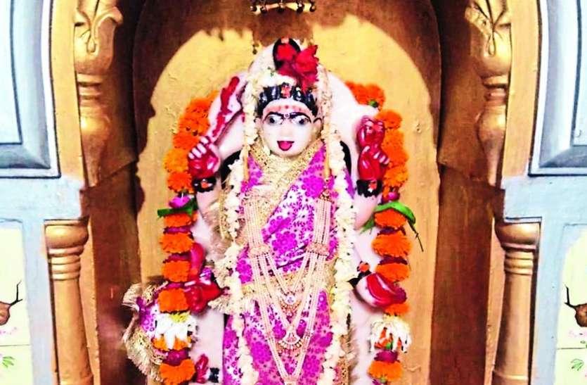 नवरात्रि विशेष : भक्तों पर आए संकट को हर लेती हैं तारा माई, कठिन है साधना