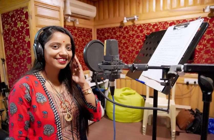 स्वच्छता गीत पर प्रदेश में दतिया को मिला दूसरा स्थान, मंत्रालय में गूंजी अंकिता की आवाज