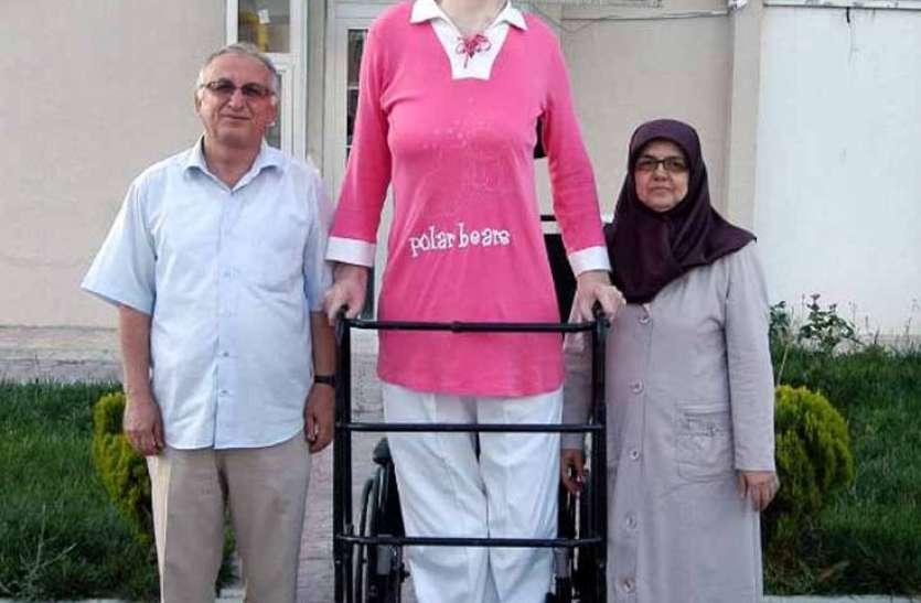 गिनीज वर्ल्ड रिकॉर्ड- तुर्की की रुमेसा गेलगी बनीं दुनिया की सबसे लंबी महिला, जानिए कितनी है लंबाई