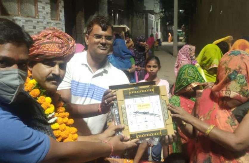 शहर की तस्वीर बदलने वाले 120 स्वच्छता सिपाहियों का सम्मान किया