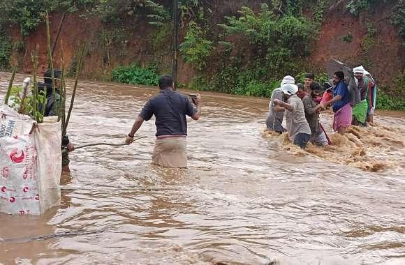 Kerala Flood: केरल में तबाही के बीच मौसम विभाग का अलर्ट, बुधवार से और बिगड़ सकते हैं हालात