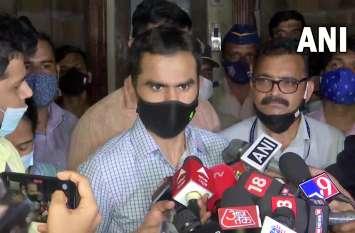 Mumbai Cruise Drugs Case: नवाब मलिक संग तेज हुई 'लड़ाई', एनसीबी महानिदेशक से मुलाकात के लिए समीर वानखेड़े दिल्ली रवाना