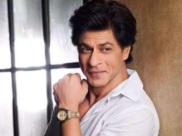 क्या आप जानते हैं कितनी थी शाहरुख खान की पहली सैलरी, मिलते ही ट्रेन पकड़ सीधे पहुंच गये थे आगरा