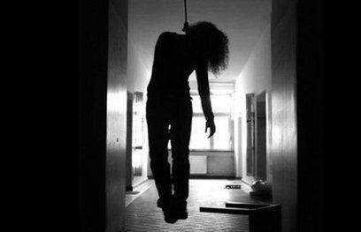 एम्स में नर्सिग की छात्रा ने की आत्महत्या, छात्रों ने किया प्रदर्शन