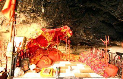 हिंगलाज माता का मंदिरः हिंदुओं के साथ मुस्लिम भी करते हैं पूजा