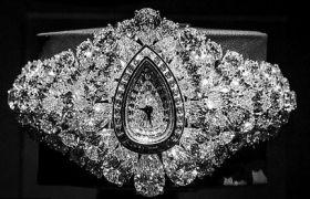 ये हैं दुनिया की सबसे महंगी घड़ी, कीमत है सिर्फ 2,49,96,02,877 रुपए