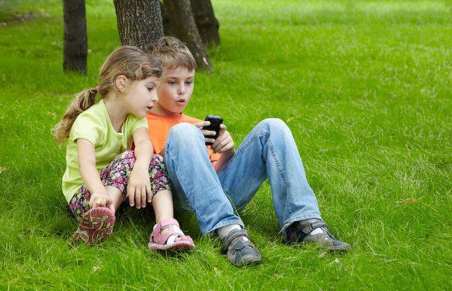 बच्चों को स्मार्ट बनाते हैं मोबाइल गैजेट्स