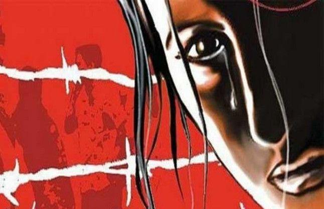 आजमगढ़: छेड़खानी पर चलती आटो से कूदी युवती