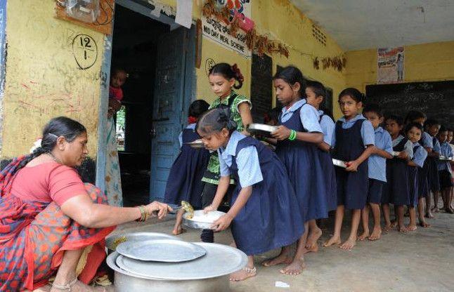 गर्मी की छुट्टियों में बंद रहेंगे स्कूल, पर बच्चों को मिलेगा मिड-डे मील