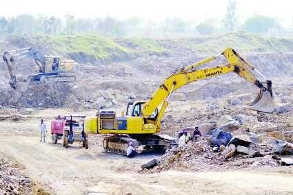 दीघा रेल सह रोड प्रोजेक्टः बाधा बन रही चिमनियों को गिराया