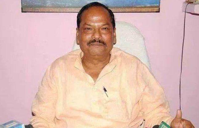 बजट सत्र के राजनीतिक दंगल के बाद सीएम रघुबर दास ने मंत्रियों संग देखा 'दंगल'