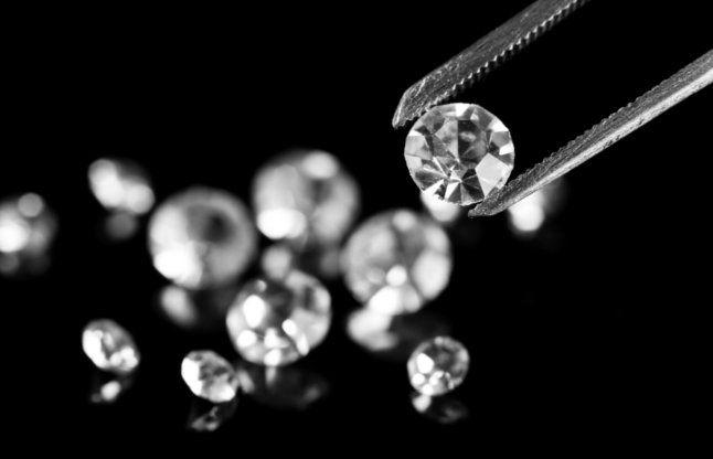 महिला की आंत से मिला 6 कैरेट का करोड़ों रुपए का हीरा
