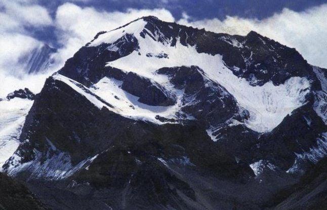 Video: ओम पर्वत, जहां प्रकृति स्वयं जाप करती हैं