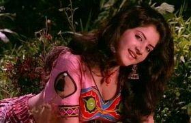 23 साल बाद भी लोग नहीं जान पाए दिव्या भारती की मौत के ये 5 राज!