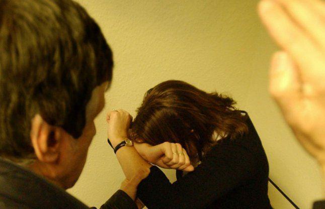घरेलू हिंसा की शिकार महिलाओं का नहीं कोई सहारा