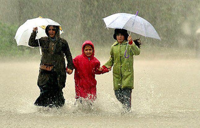तेज बारिश में फंसे लोगों को बचाने वाले पुलिसवाले होंगे पुरस्कृत