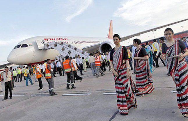 उड़ते विमान में लगी आग, दिल्ली में कराई गई इमरजेंसी लैंडिंग
