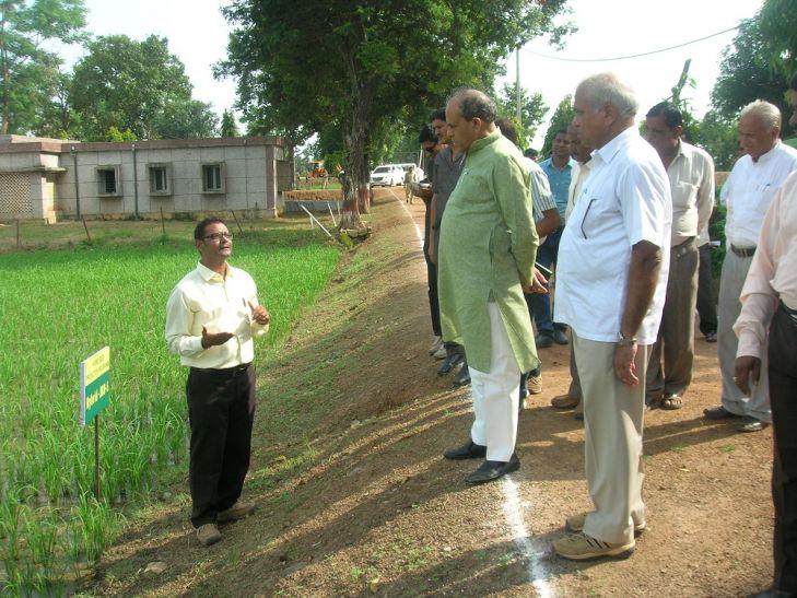 कृषि मंत्री बिसेन ने किया कृषि महाविद्यालय का निरीक्षण
