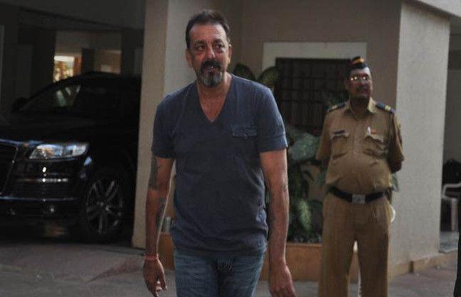 1993 बम धमाकों में संजय दत्त को नहीं मिलेगी माफी, याचिका खारिज