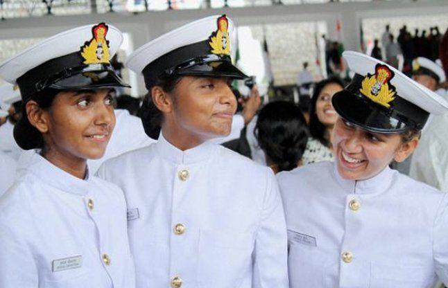 Khaskhabar/सुप्रीम कोर्ट के 8 महीने पुराने आदेश पर अब भारतीय नौसेना में महिलाओं को स्थाई कमीशन देने की प्रक्रिया शुरू की गई है। भारतीय नौसेना ने स्थायी आयोग के लिए शुक्रवार को चयन प्रक्रिया पूरी की है। सुप्रीम कोर्ट ने इसी साल 17 मार्च 