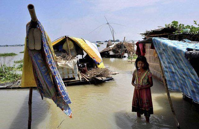 असम में बाढ़ से 18 लाख प्रभावित, अब तक 45 की मौत