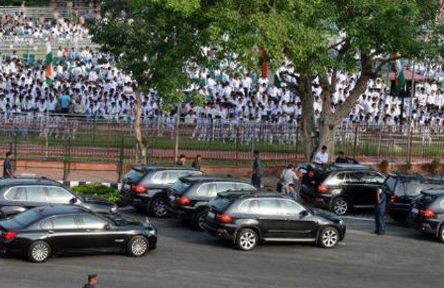 पीएम मोदी की कार पर बम, ग्रेनेड और मिसाइल भी हैं बेअसर